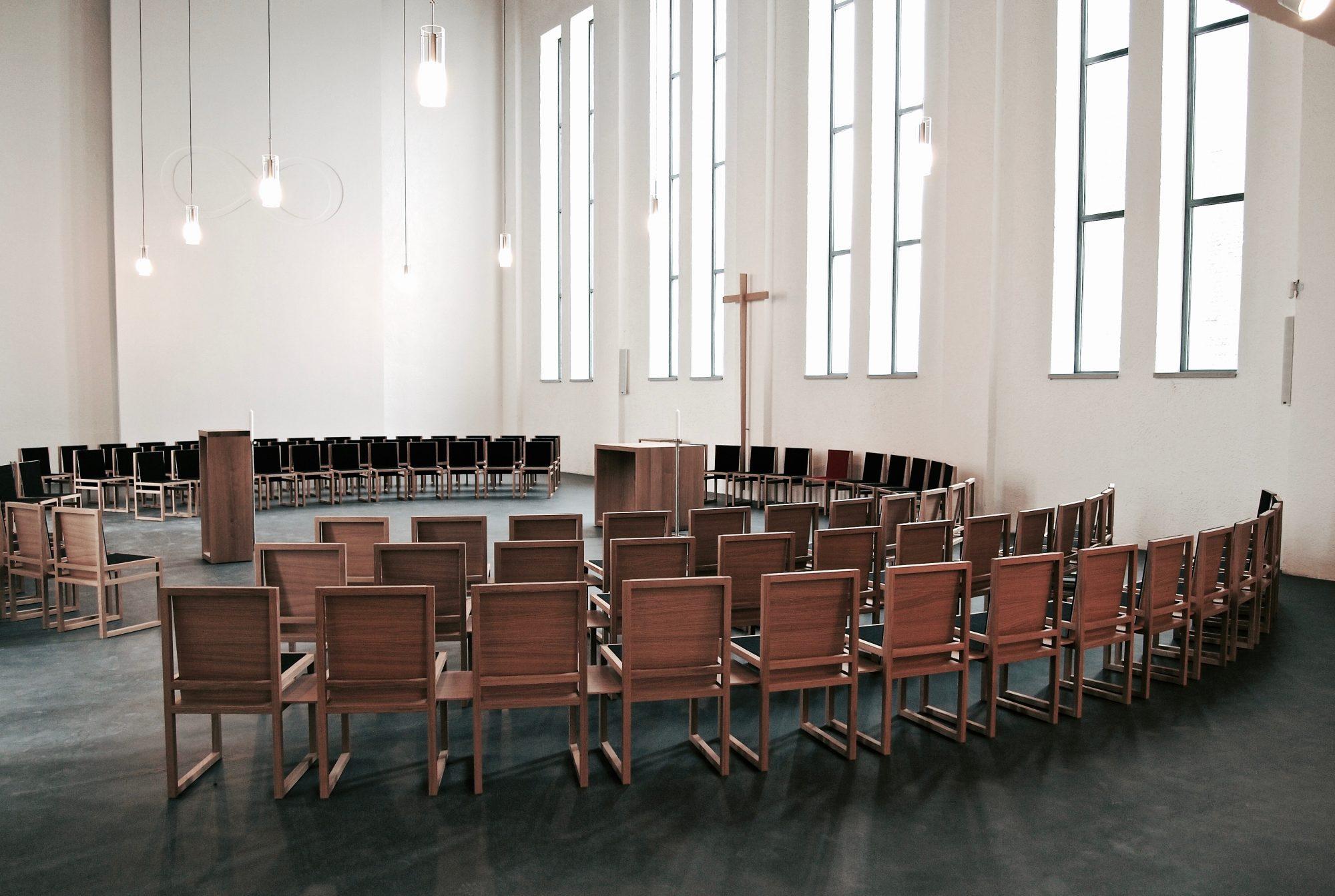 Friedberg, Vinzenz Pallotti Kirche. Communioraum, 2012