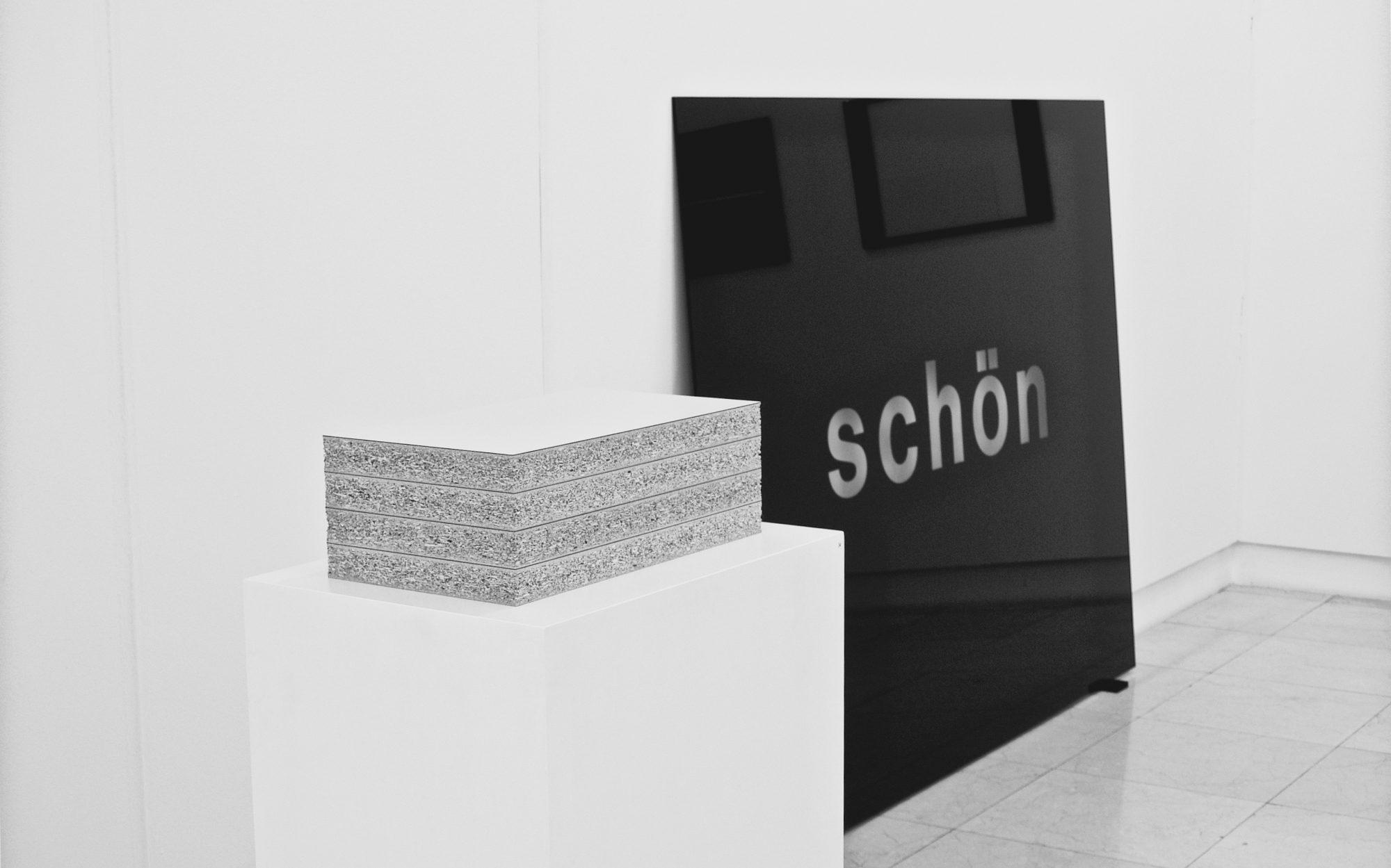 schön / beautiful, 2005, Hinterglasbild / reverse glass painting, 150x200cm<br> Schichtung / Layering, 2005, Spanplatte, chipboard, 16x46,5x26,5cm