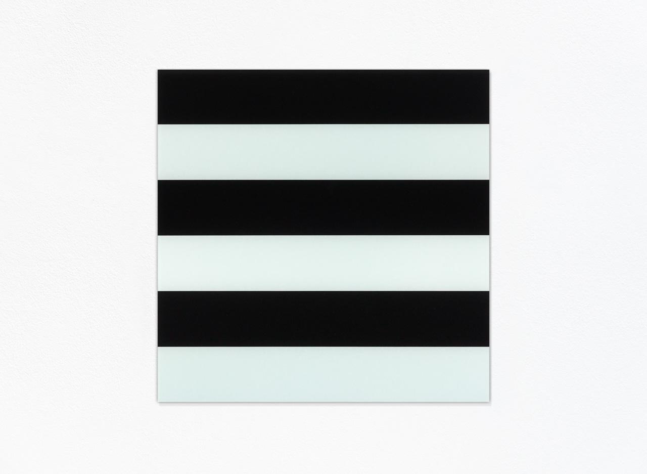 Weiß-schwarz / White-black, 2003, Hinterglasmalerei / reverse glass painting, 75x75cm